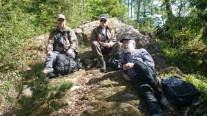 Janne, Åke och Bo vid Flaten Foto: Lena Carlsson